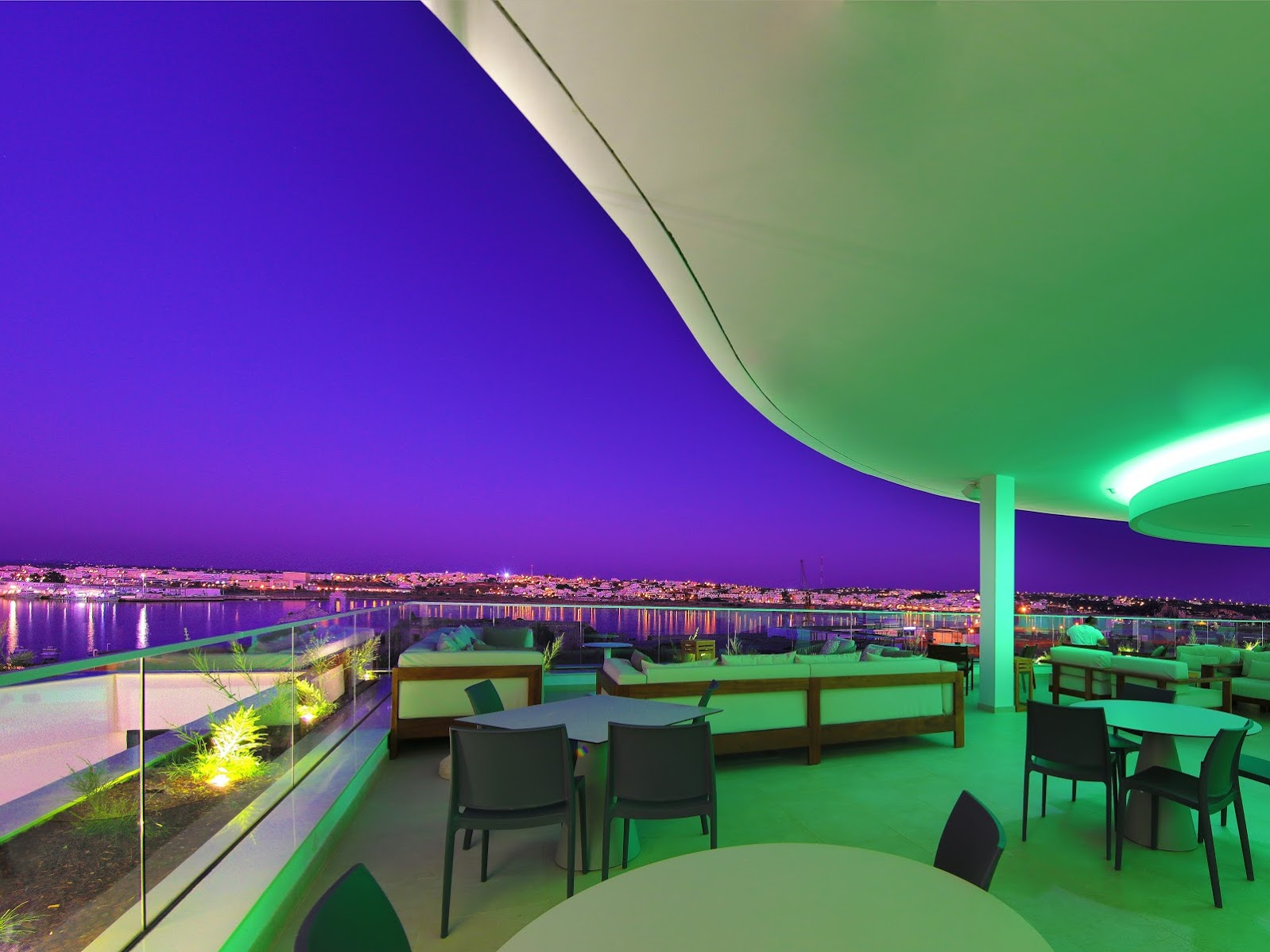 438/Photos-Marina/Events/Rooftop_AradeBar_night-view.jpg